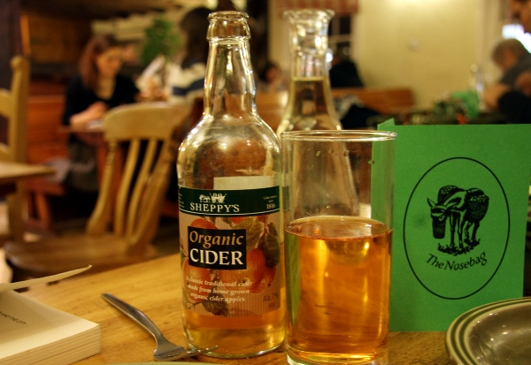 sheppy's organic cider at the nosebag cafe, oxford