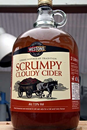 https://charlieharvey.org.uk/graphics/reviews/westons-scrumpy.jpg